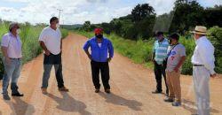Autoridades municipales supervisan y entregan obras en Dzitbalché