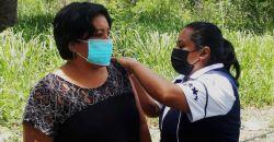 Aplican primera dosis de la vacuna ASTRAZENECA  a personas de 40 a 49 años Hecelchakán